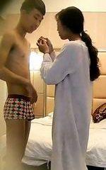 酒店系列-超长偷拍学生情侣国庆节开房激情缠绵整个下午[MP4/795M]